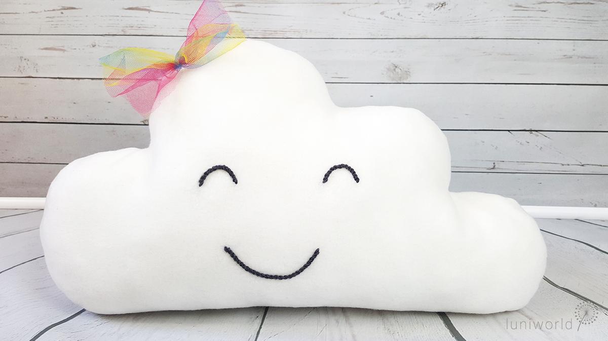 Freundliche Wolke aus kuscheligem Fleece